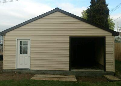 24 x 20 with 512 roof pitch Endicott New York side view Amish built